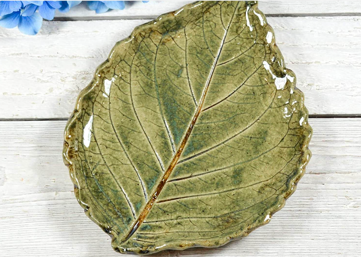 September 26 One Day Clay Workshop: Leaf Platters with Wanda Brumwell