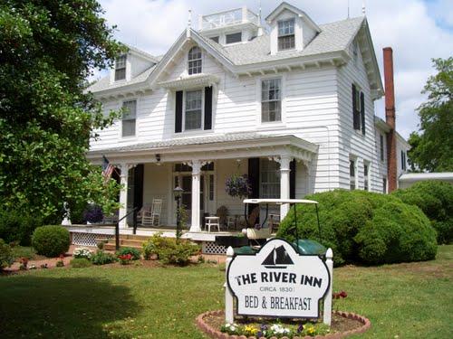 Rolph's Wharf, The River Inn
